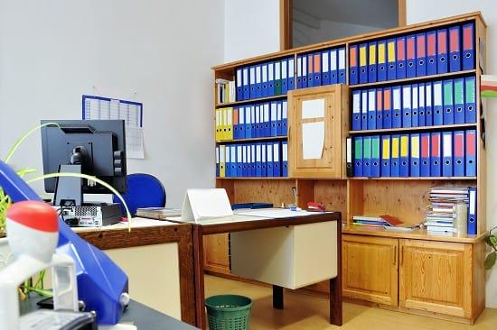 Eine Berufsunfähigkeitsversicherung für Beamte oder eine Dienstunfähigkeitsversicherung? Grafikquelle: colourbox.com