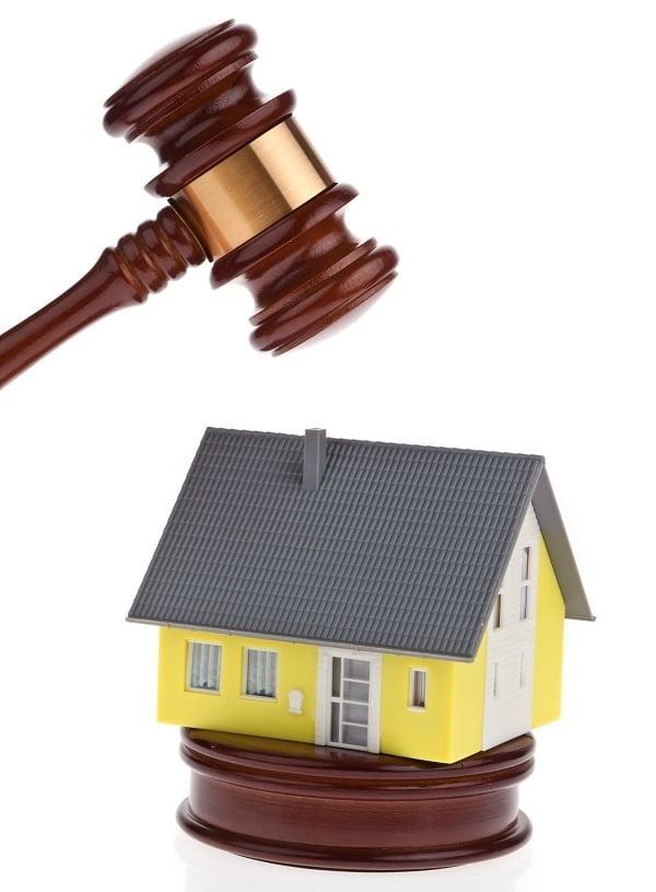 Das Eigenheim unter dem Hammer. Weil keine Risikolebensversicherung bestand?