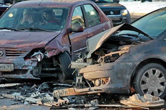 Unfälle sind spektakulär und passieren. Aber nur selten sind die Ursache für eine Berufsunfähigkeit. Grafikquelle: colourbox.com