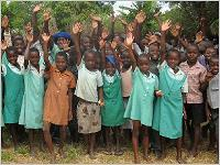 """2.391 Wochen """"Lernen für ein besseres Leben"""" erreicht! Foto: terre des hommes"""