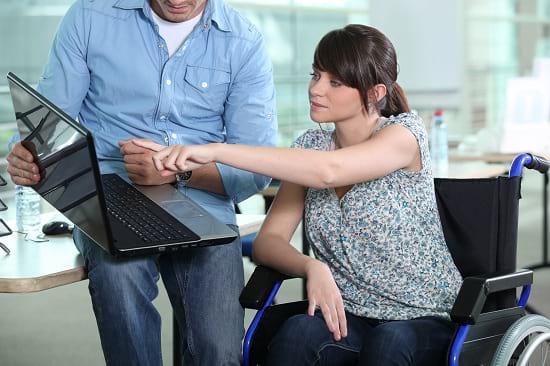 Berufsunfähigkeit Definition: Man muss nicht im Rollstuhl sitzen, um berufsunfähig zu sein.